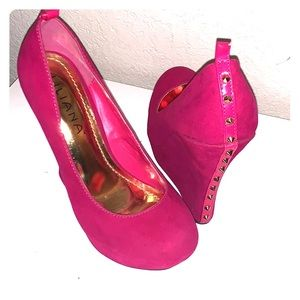 Hot pink wedges with gold spikes